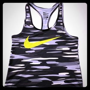 Women's The Nike Tee Tank Top